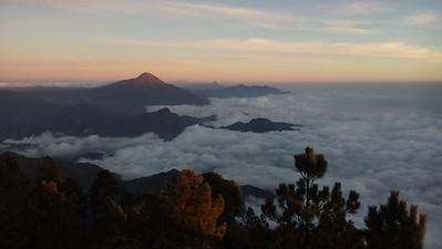 Nebelmeer und Vulkan Tachumulco