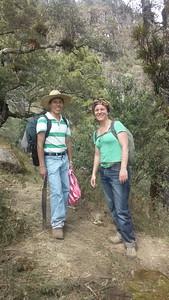 Julia mit Edgar, unserem Guía aus Trigales