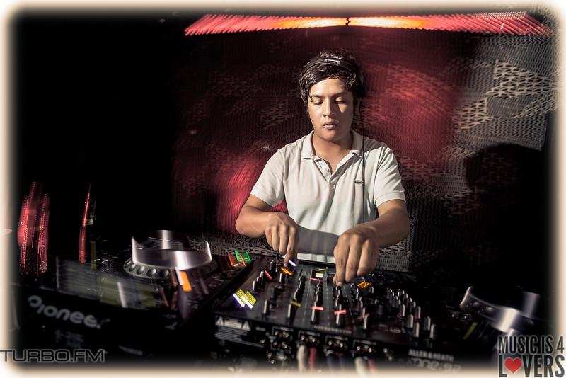 DJ-Tennis-TJ-0843