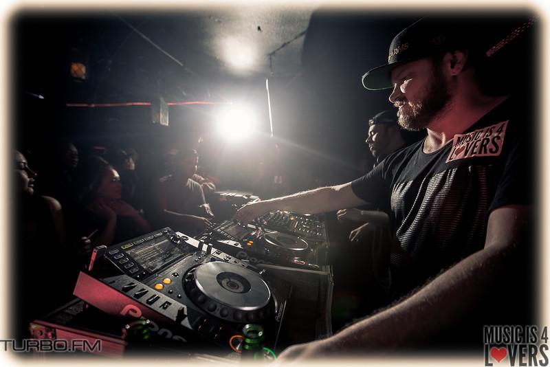 DJ-Tennis-TJ-0935