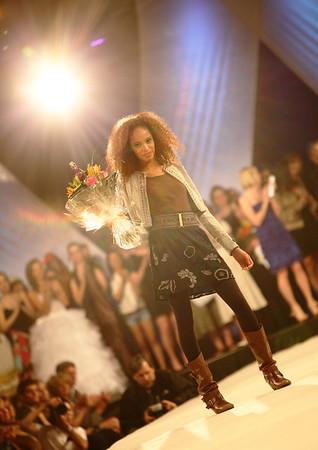 5-9 /  Grande Première 2010 - Académie de Desing de Mode Richard Robinson - Model of the Year