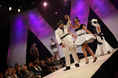 GRANDE PREMIÈRE 2010 / Académie de Design de Mode RICHARD ROBINSON     ****Email me for reasonable pricing - alainleury@hotmail.com ***