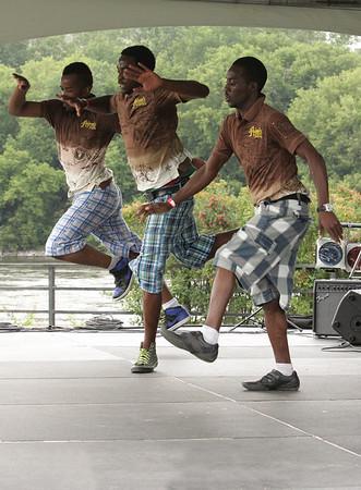 2009 Ottawa African Festival - Victoria Island Cafric Dancers