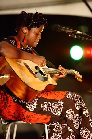 7-31 / Rita Carter 2010 Ottawa African Festival