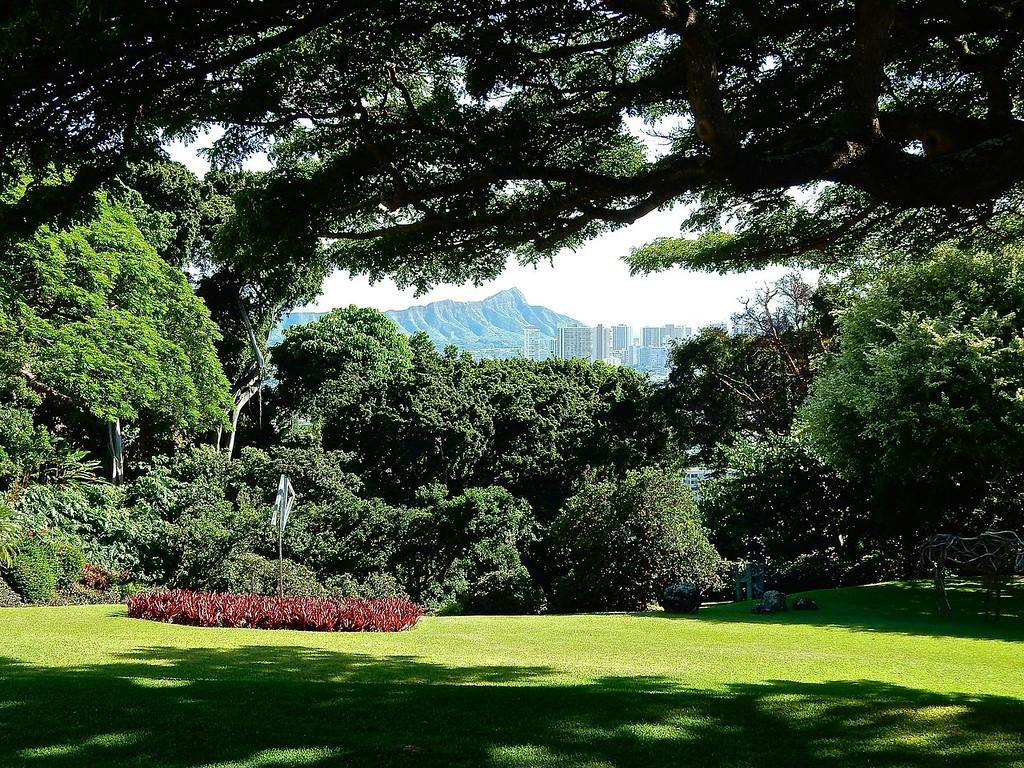 View of Diamond Head, Honolulu, Hawaii