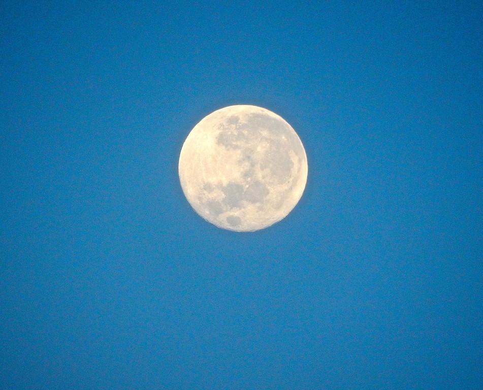Full Moon, Papeete, Tahiti