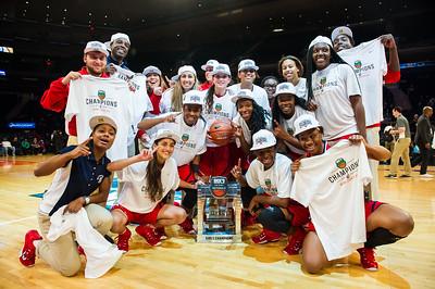 DICKS Sporting Goods High School National Tournament Girls Basketball Final between #1 Dillard and #2 Miami Country Day