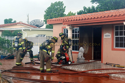 Miami-Dade (Florida) Code 1 Working Fire (06/25/07)