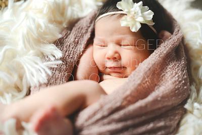 IOP-Mia's Newborn-132