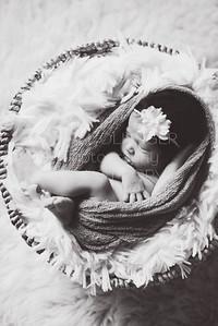 IOP-Mia's Newborn-128 bnw