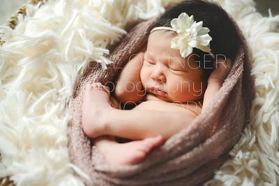 IOP-Mia's Newborn-135