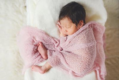 IOP-Mia's Newborn-120