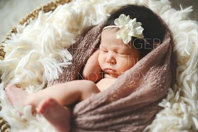IOP-Mia's Newborn-130
