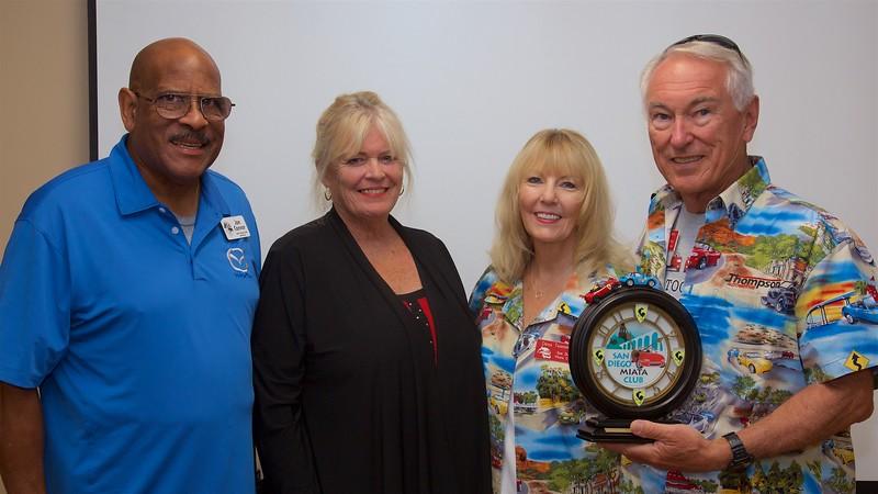 Jon & Melinda Connor present the Members of the Year Award to Dona & Tom Thompson.
