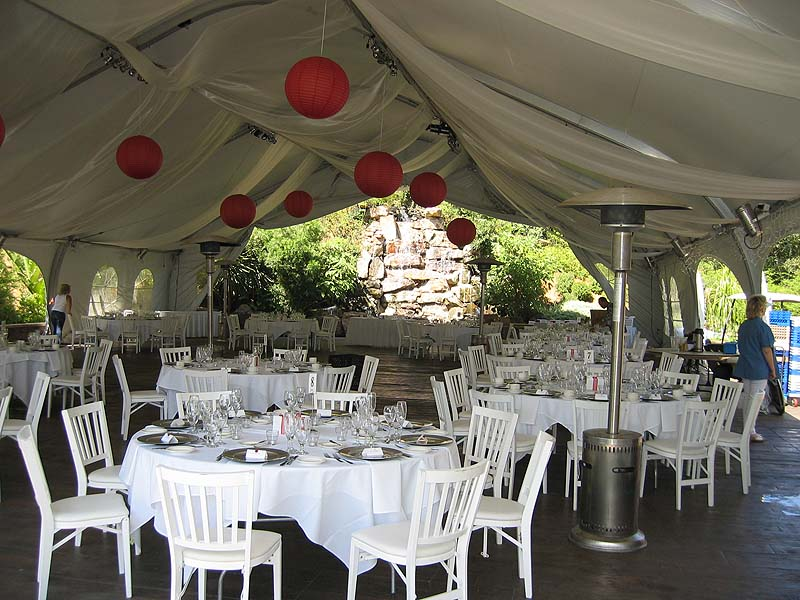 """This is the site for the <a href=""""http://www.miataconnection.com"""">Surf 'N' Safari '04</a> Saturday Night Banquet.  <br>Saturday night entertainment by <a href=""""http://www.catillacs.com/"""">The Catillacs!</a>"""