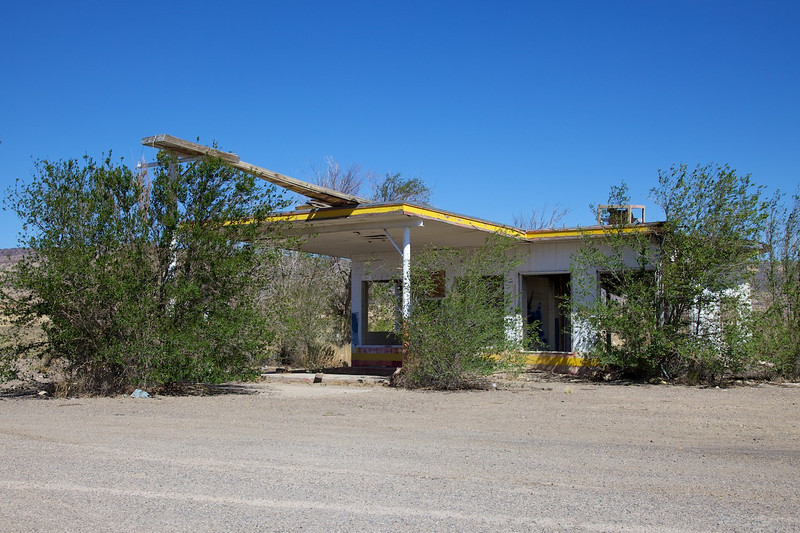 Day 10: The remains of the Whiting Brothers gas station building.