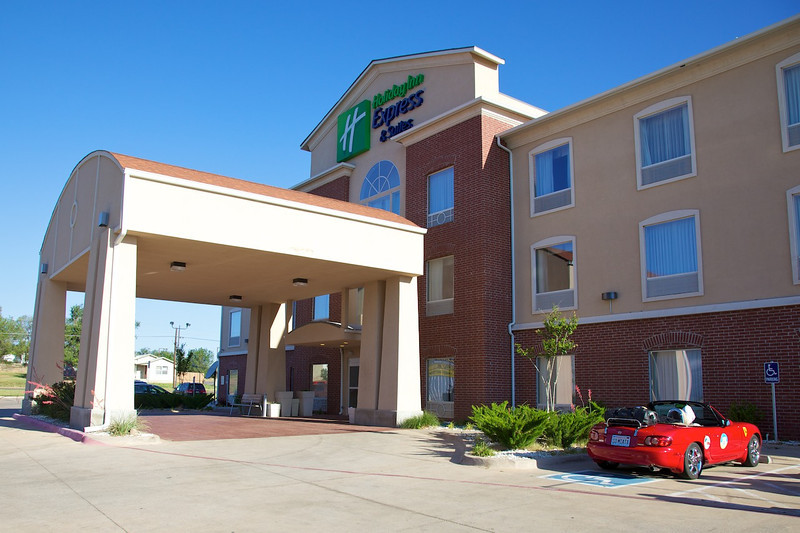 Day 8: Holiday Inn Express, our overnight stay in Shamrock, TX.