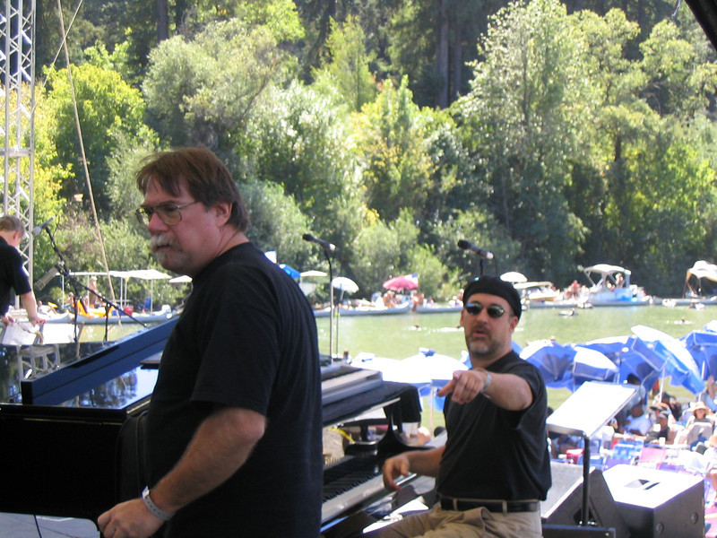 Sandy Blythe our incredible sound engineer and the guy pointing is Charles Blenzig, musical director for the Michael Franks band (before pic, they are both really thin now).