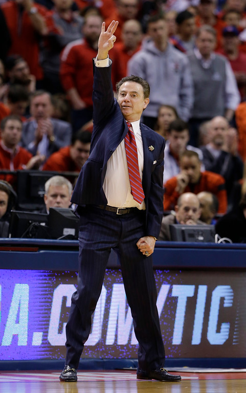 . Louisville head coach Rick Pitino call a play for his team against Michigan during the second half of a second-round game in the men�s NCAA college basketball tournament in Indianapolis, Sunday, March 19, 2017. Michigan defeated Louisville 73-69. (AP Photo/Michael Conroy)
