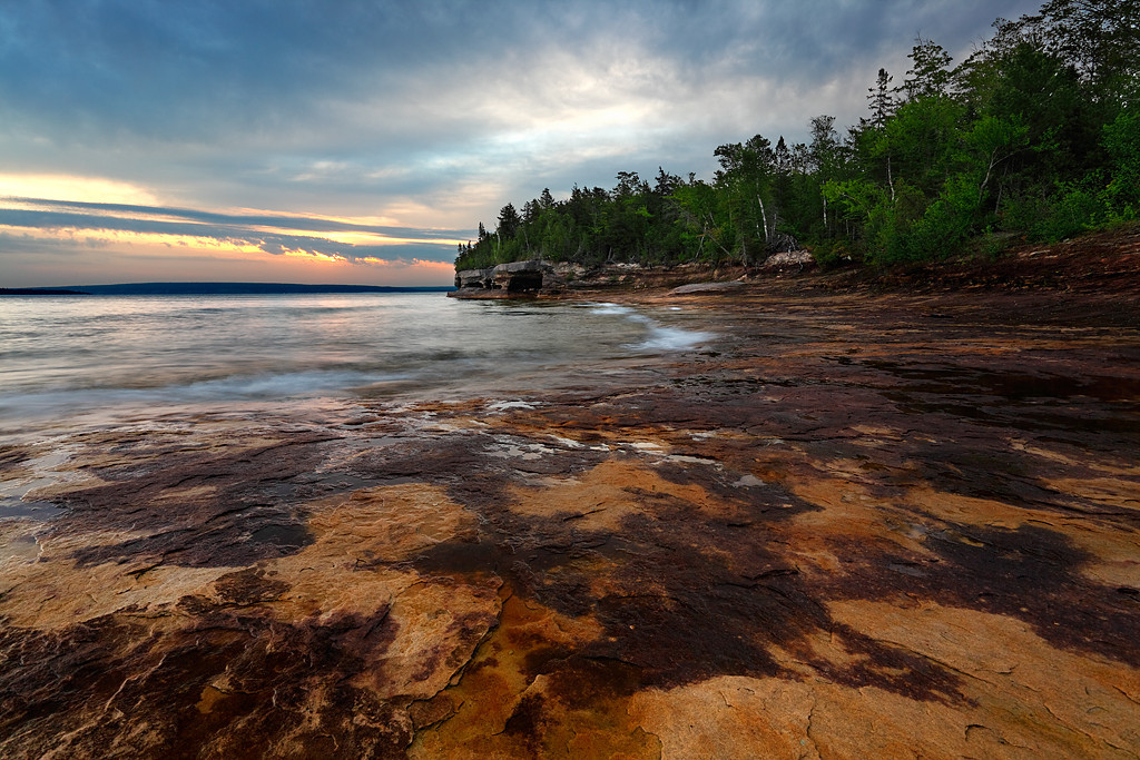 Stained Shores - Five Mile Point (Hiawatha National Forest - Upper Michigan)