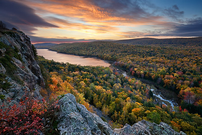 Fall Inception - Lake of the Clouds (Porcupine Mountains State Park - Upper Michigan)