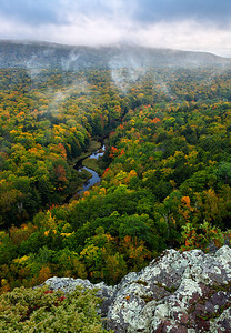 The Edge of Fall - Big Carp River (Porcupine Mountains State Park - Upper Michigan)