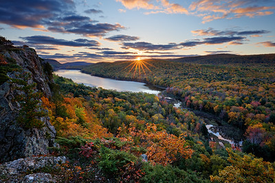 Autumn Aburst - Lake of the Clouds (Porcupine Mountains State Park - Upper Michigan)