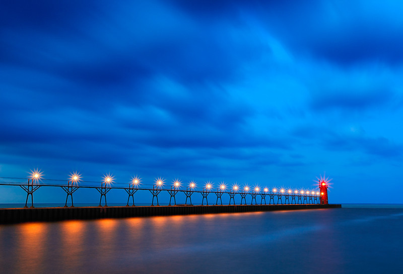 Swift Light - South Haven South Pierhead Lighthouse (South Haven, MI)