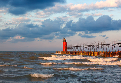 Protruding Light II - South Haven South Pierhead Lighthouse (South Haven, MI)