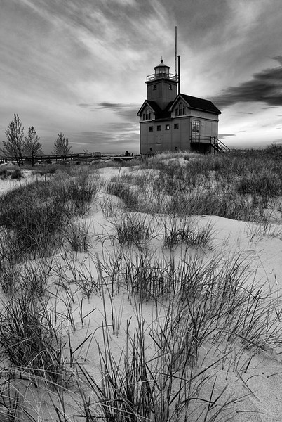 Lifted Light - Holland Harbor South Pierhead Lighthouse (Holland, MI)