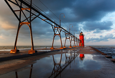 Protruding Light - South Haven South Pierhead Lighthouse (South Haven, MI)
