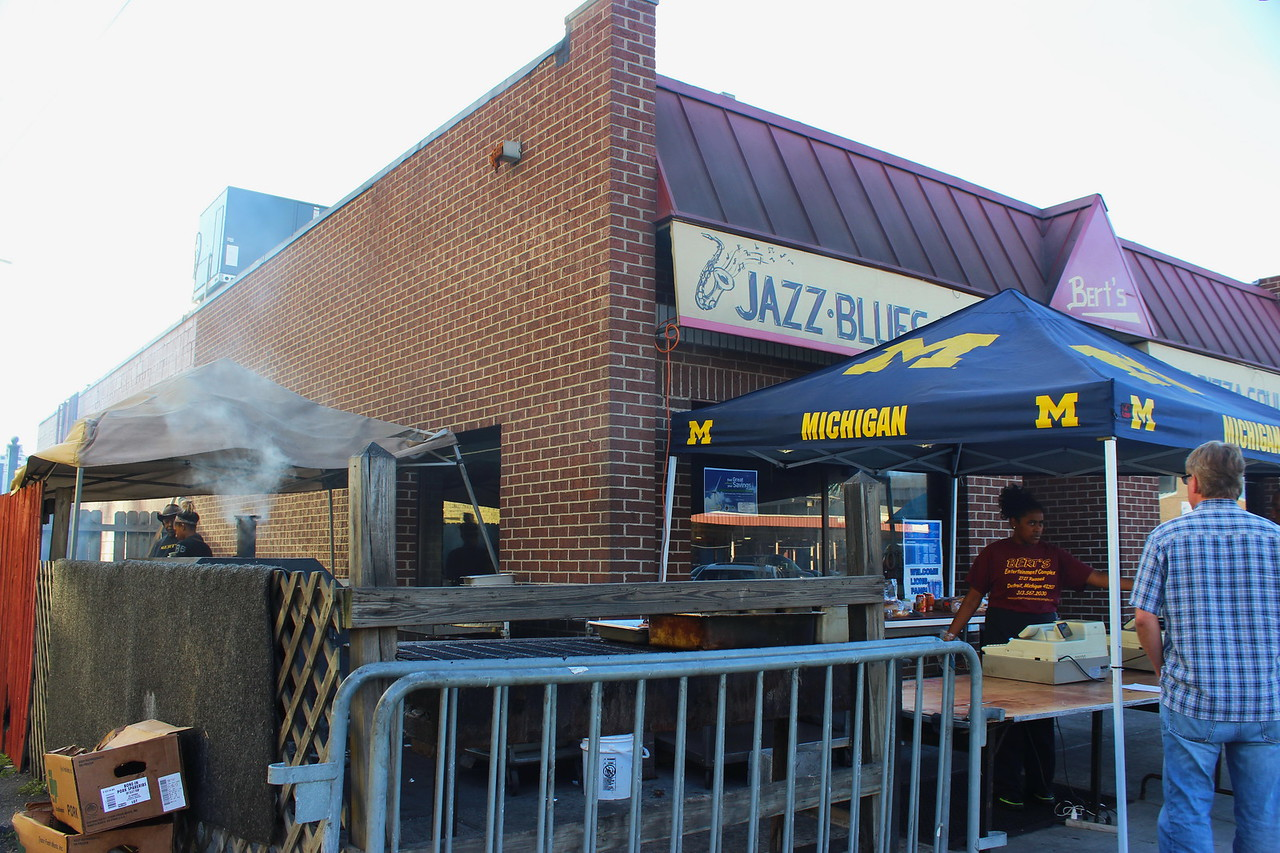 Bert's Bar-B-Que and Soul Food with University of Michigan Tent