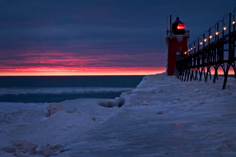 MI 033                    Sunset at the South Haven Lighthouse, South Haven, Michigan.