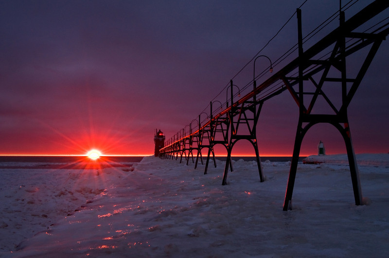 MI 032<br /> <br /> Sunset at the South Haven Lighthouse, South Haven, Michigan.