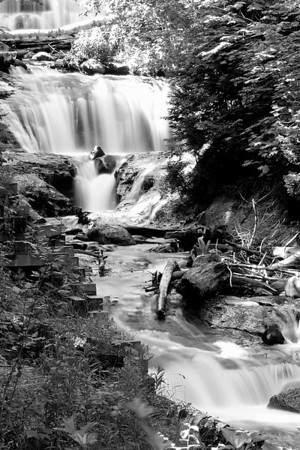 Sable Falls (Black and White)