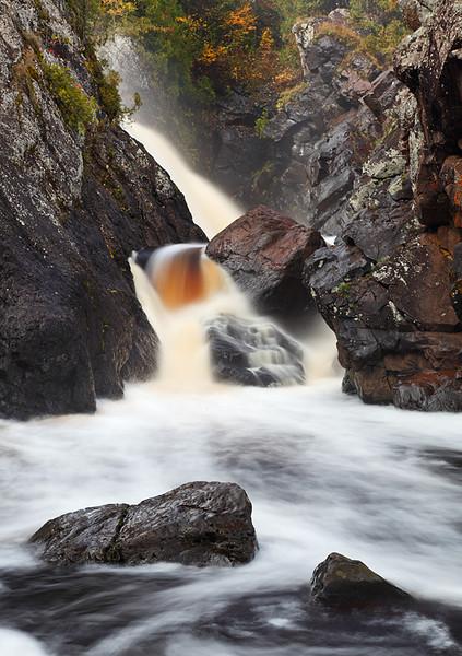 Around Away - Gabbro Falls (Black River - Upper Michigan)