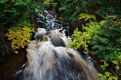 Autumn Rush - Presque Isle (Porcupine Mountains State Park - Upper Michigan)