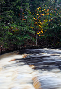 Everything in Motion - Presque Isle River (Porcupine Mountains State Park - Upper Michigan)