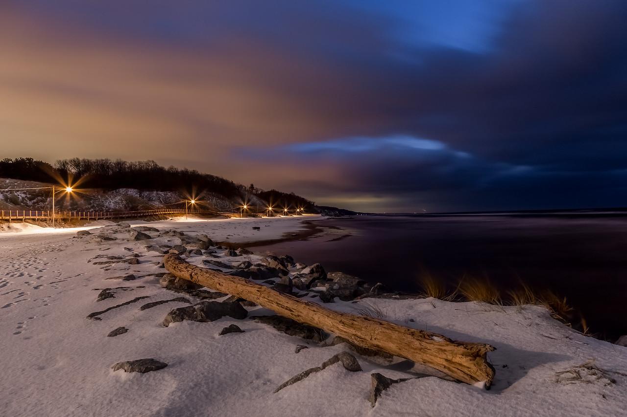 Photo of the Lake Michigan shoreline in the winter.