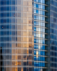 Reflection on skyscrapper windows
