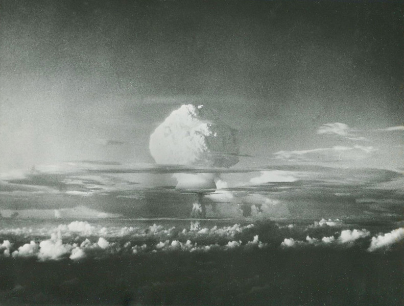 Hydrogen bomb test at Eniwetok Atoll in the Marshall Islands, 1952
