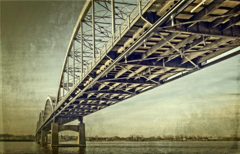 Davenport IA - Cennential Bridge Below-