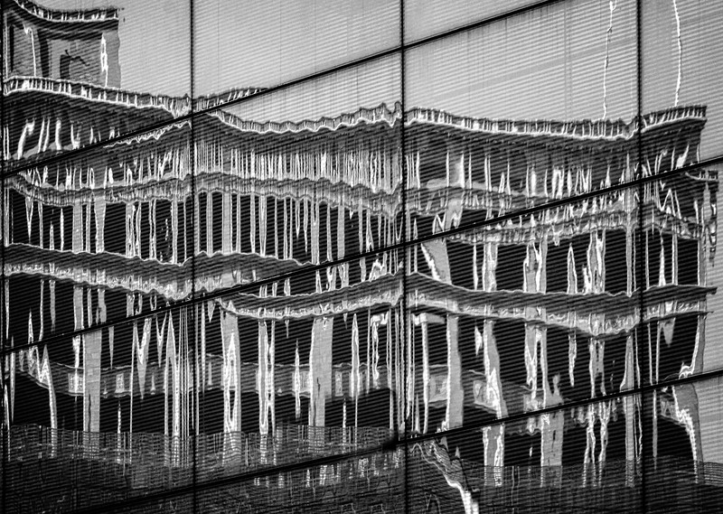 Davenport IA - Building Refection -03158