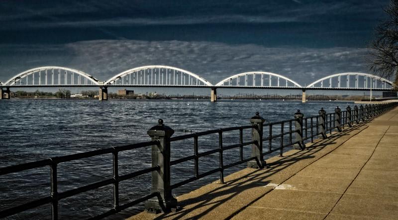 Davenport IA - Cenntenial Bridge Path-