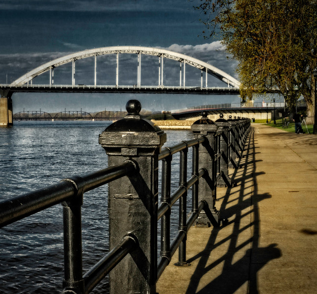 Davenport IA -Path to Bridge-03100
