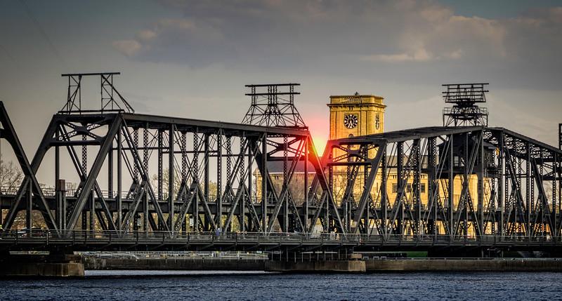 Davenport IA - Bridge over Mississippi-03050