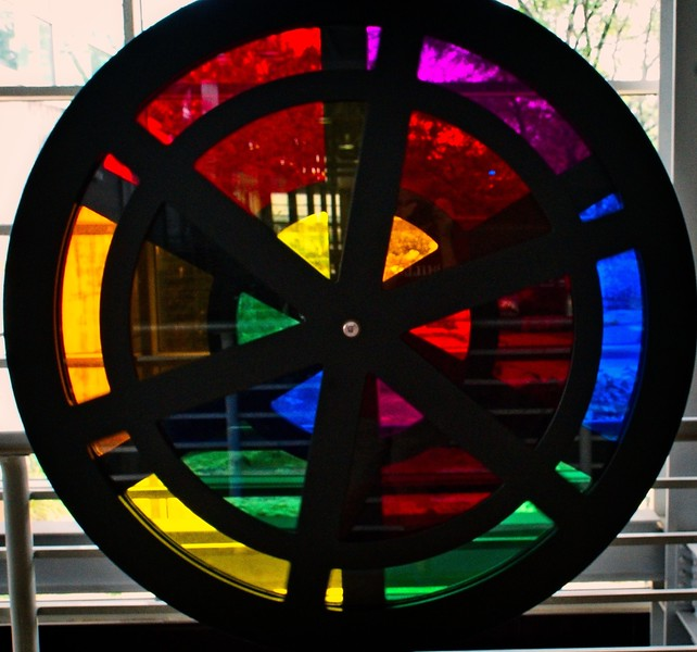 Putnam Museum  - Wheel of ColorDSC05659