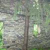 Single-wall ruins