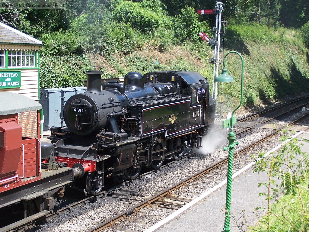 41312 shunts the freight