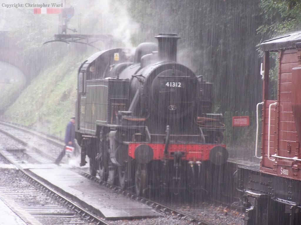 41312 in a cloudburst at Arlesford